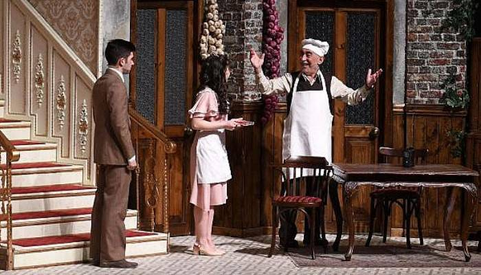 Çanakkale'de 'Zengin Mutfağı' İsimli Oyun Sahnelendi