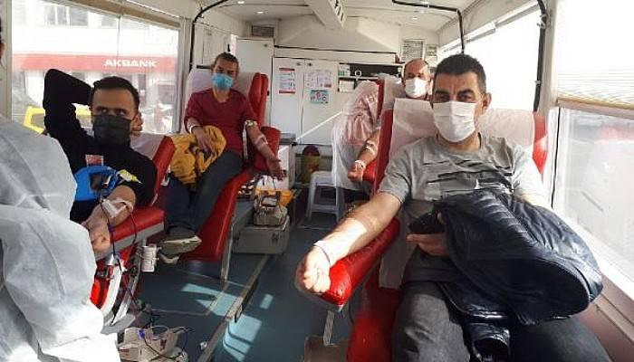 Gelibolu'da 3 Günde Kızılay'a 158 Ünite Kan Bağışı