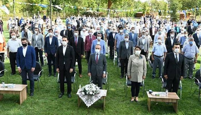 AK Partili Turan: Fransa Cumhurbaşkanı'na Türkçe Tweet Attıran Adamın Adı Recep Tayyip Erdoğan'dır