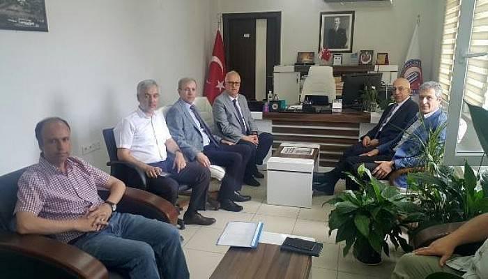 Rektör Murat, Eğitim Fakültesi Dekanı Genç'i Ziyaret Etti
