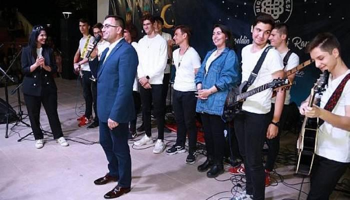 Biga'da 19 Mayıs Gençlik Konseri Düzenlendi