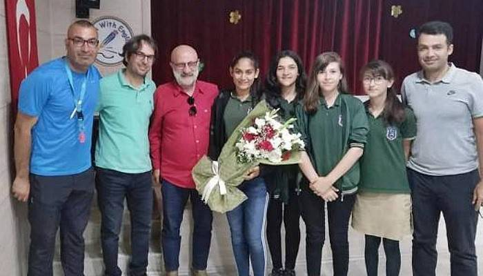 Milliyet Gazetesi Spor Yazarı Meşe, Söyleşide Öğrencilerle Bir Araya Geldi