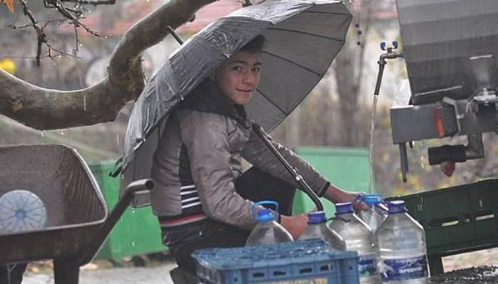 Yağmur Suyuna Niyet, Su Tankerine Kısmet