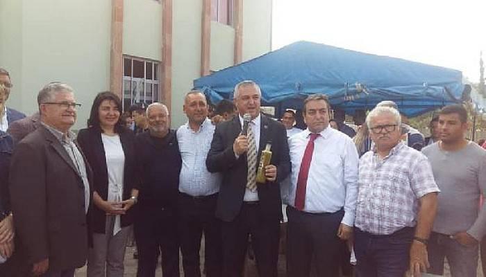 İlk Hasat Zeytinyağı 13 bin 500 TL'ye Satıldı, Geliri Mehmetçiğe Bağışlandı