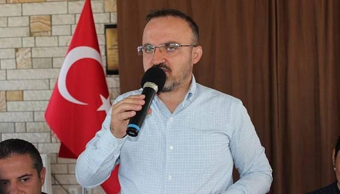 AKParti'li Turan: Kıbrıs'ta Garantörlük HakkıOlmayanların Ne İşi Var