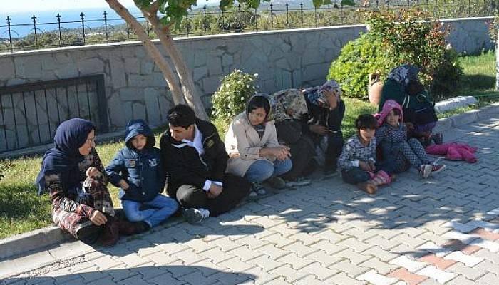 Ayvacık'ta 110 Kaçak Göçmen ve 5 Organizatör Yakalandı