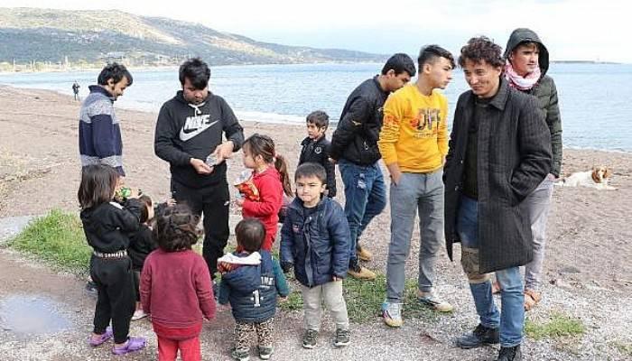 Çanakkale Sahillerinde Göçmenlerin Bekleyişi Sürüyor