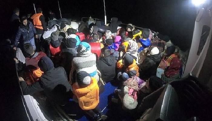 Lastik Botta 23'ü Çocuk, 44Kaçak Göçmen Yakalandı