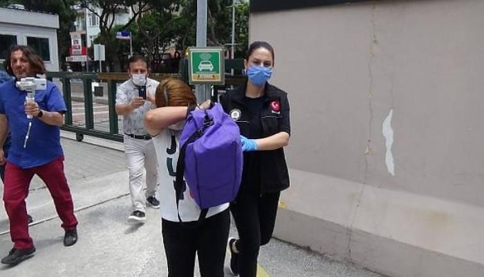 Çanakkale'de 9 Ayrı Suçtan Aranan Kadın, Yakalandı