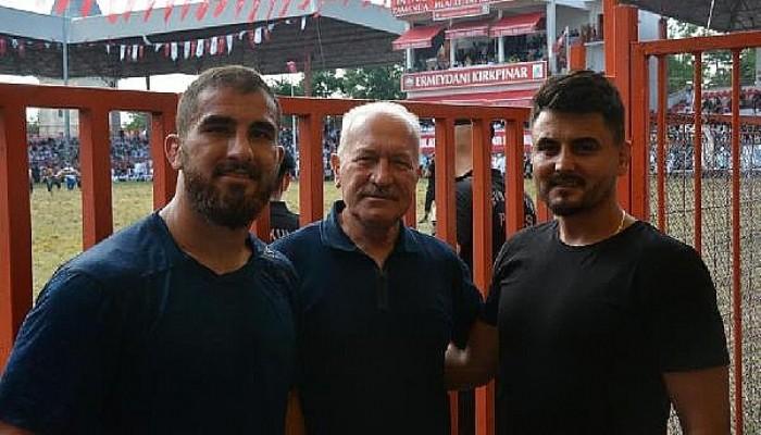 Lapseki Belediyesi Güreşçisi Aktürk, Başpehlivan Oldu