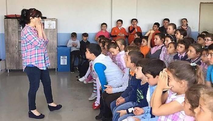 Gelibolu'da Öğrencilere, Ergenlik ve Hijyen Eğitimi Verildi
