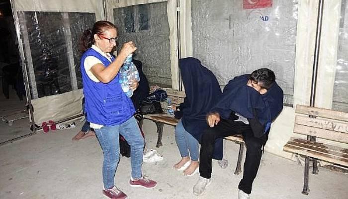 Ayvacık'ta 12 Kaçak Göçmen Yakalandı