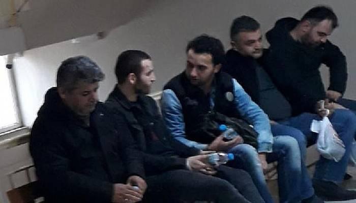 Bayramiç'te 35 Kaçak Göçmen Yakalandı, 5 İnsan Kaçakçısı Tutuklandı
