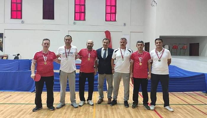 Öğretmenler Masa Tenisinde Final Oynadı
