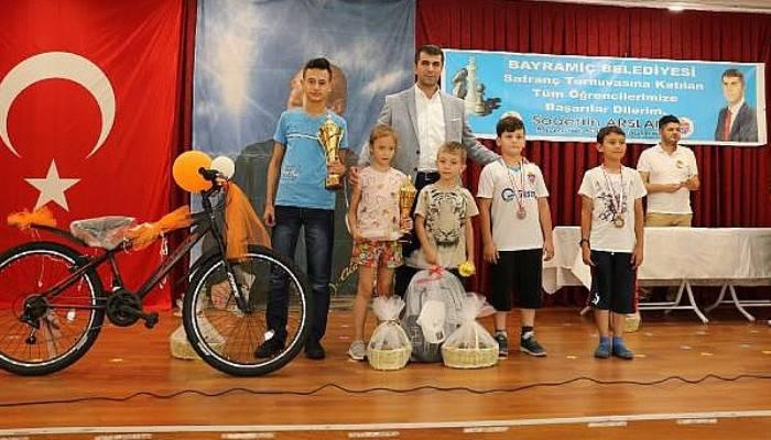 Bayramiç Belediyesi Satranç Turnuvası Düzenledi
