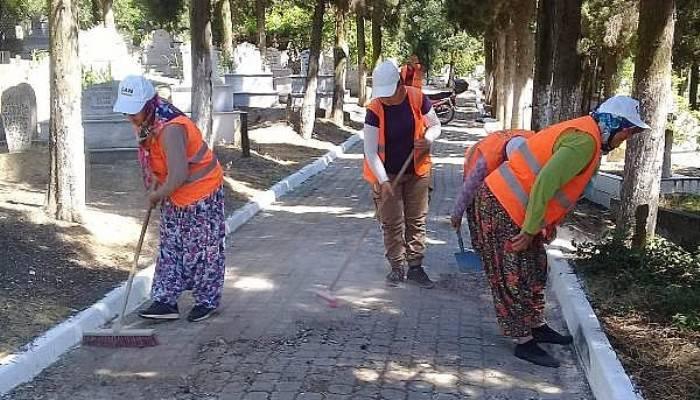 Çan Belediyesi, Cami ve Mezarlıklarda Temizlik Çalışması Yaptı