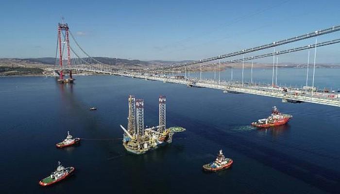 124 Metrelik Platform, 67 Metreye İndirilerek Çanakkale Köprüsü'nün Altından Geçirildi