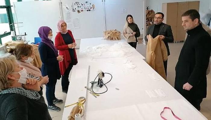 Biga Belediyesi Maske ve Koruyucu Kıyafet Üretiyor