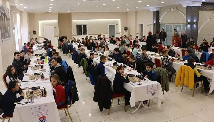 Bayramiç Belediyesi'nden Hediye Satranç Turnuvası