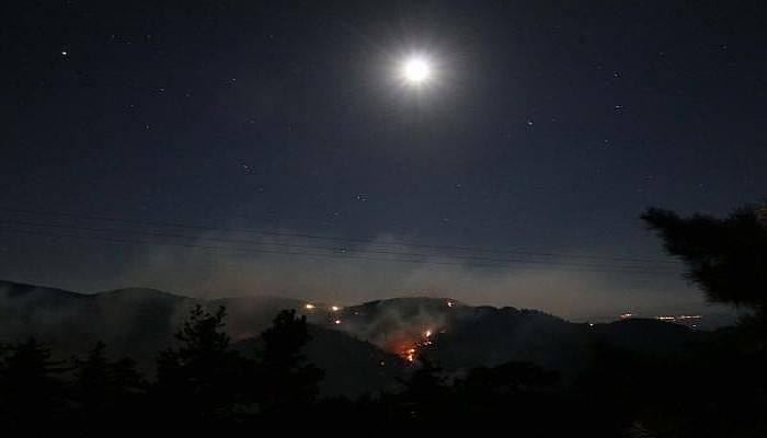 Yenice'deki Orman Yangınına Havadan Müdahale Sona Erdi