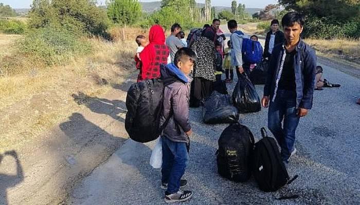 Ezine'de 51 Kaçak Göçmen Yakalandı
