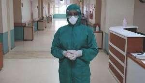 Koronavirüsle Mücadelede Görevli Hemşire: Ailemle Telefonda Konuşuyoruz