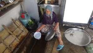 Venedik'i Andıran Köyde Evlerin Altından Su Akıyor