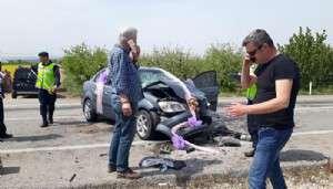 Gelini Almaya Giderken Kaza Yapan Damadın Bacağı Kırıldı